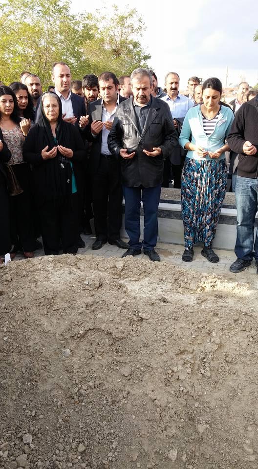 Sırrı Süreyya Önder Karacadağ'da Taziye ziyaretinde (Video)