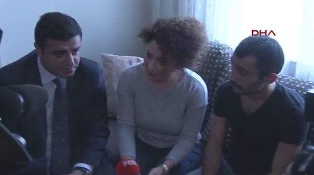 Atanamayan öğretmenin annesinden Demirtaş'a: Dayım olur musunuz? (Video)