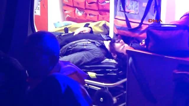 Kolonya Parası İstediği Arkadaşı Tarafından Bıçaklandı - Video