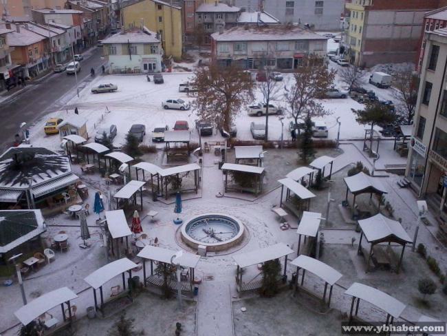 Cihanbeyli'ye İlk Kar Düştü