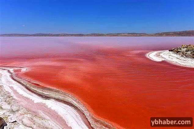Kırmızısıyla Tuz Gölü