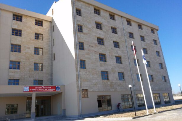Cihanbeyli KYK yurdu öğrencilere haber verilmeden kapatıldı