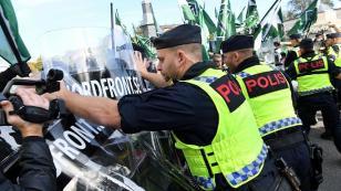 İsveç'te Neo-Nazi ve Anti-Faşistler çatıştı