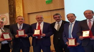 Dr. Fırat Kızılkaya'ya mesleğinde başarı ödülü