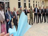 Vali, BDP'li başkan ve general halay çekti