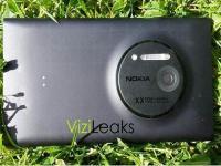 Nokia'nın beklenen telefonu Lumia 920 ile yan yana görüntülendi
