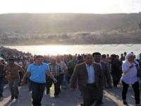 Binlerce Kürt Suriye'den kaçıyor
