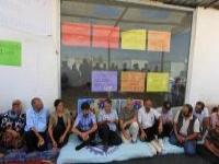 Bdp Heyeti, Açlık Grevi Yapan Depremzedeleri Ziyaret Etti