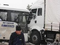 Konya'da trafik kazası: 20 kişi yaralı