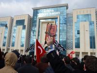 Konya'da medyaya darbe protestosu