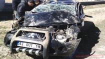 Cihanbeyli'de Trafik Kazası; Emniyet Kemeri Kurtardı