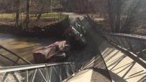 İsveç'te köprü çöktü çok sayıda acil servis aracı bölgeye sevk edildi