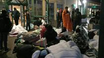 Malmö'de mülteciler geceyi dışarda geçirdi