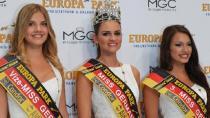 Din dersi öğretmeni Almanya'nın en güzeli seçildi