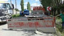 Kulu'da Kamyonetler Çarpıştı 4 Yaralı