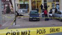 Konya'da bir kişi terastan düştü