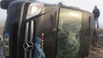 Minibüs ile kamyonet çarpıştı: 1 ölü, 7 yaralı